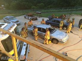 Crews preparing vehicles for stabilization and extrication. Photo by M. Price (Co. 3)